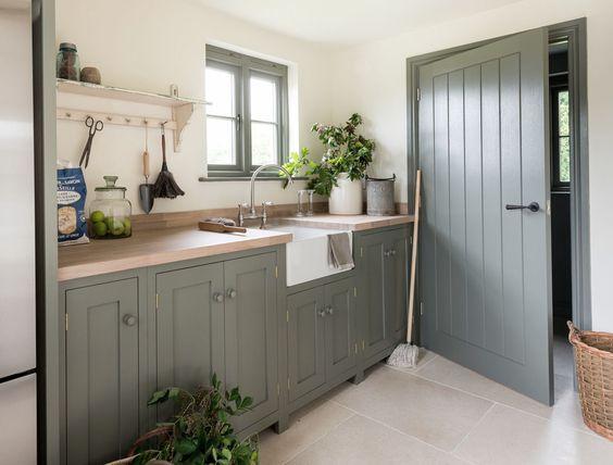 101 idei de amenajare a unei bucatarii moderne si functionale for Kitchen design 4m x 2m