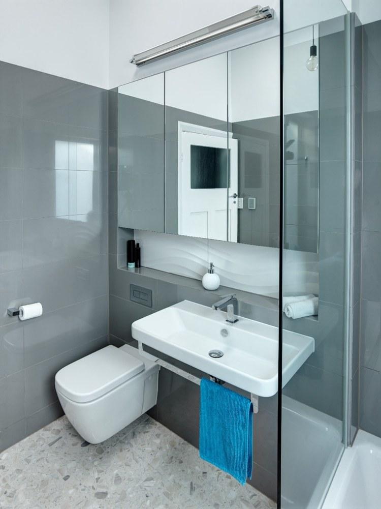 oglinzi baie apartament