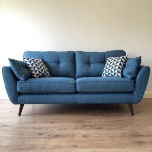 canapea mica albastra
