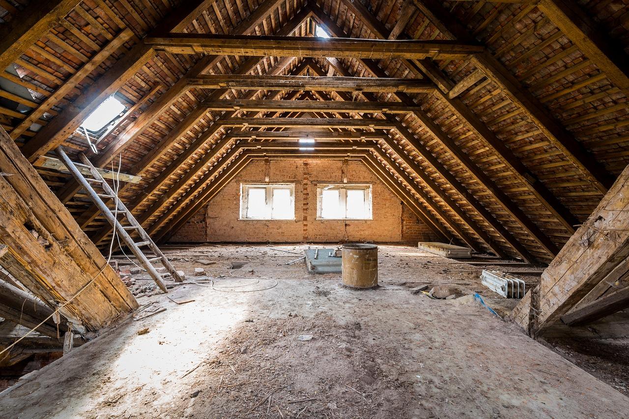 attic 2416396 1280