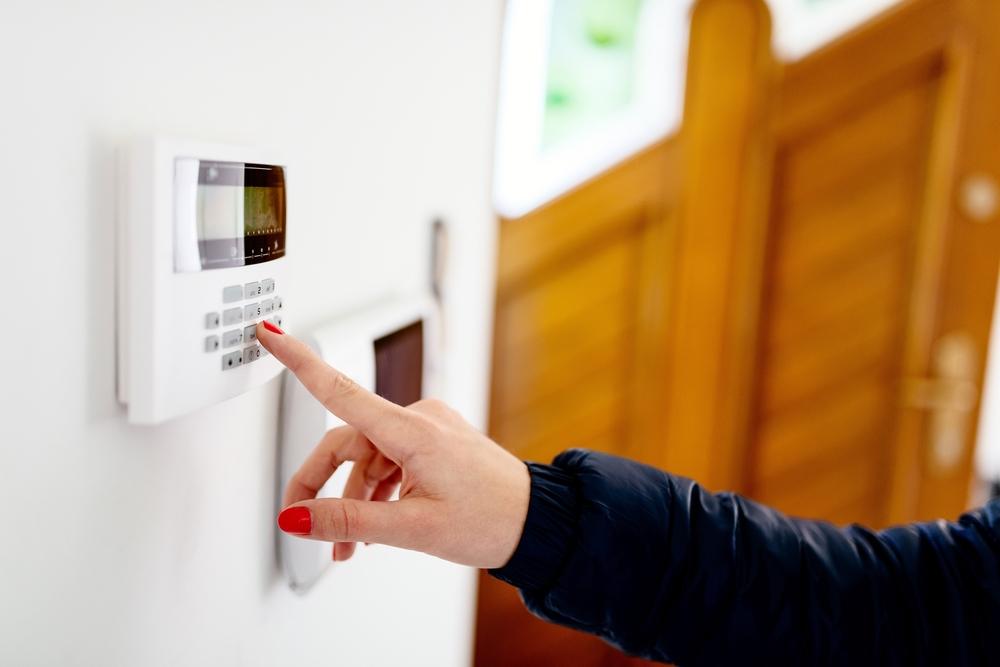 Sigur acasă. Cum te ajută tehnologia să îți protejezi locuința