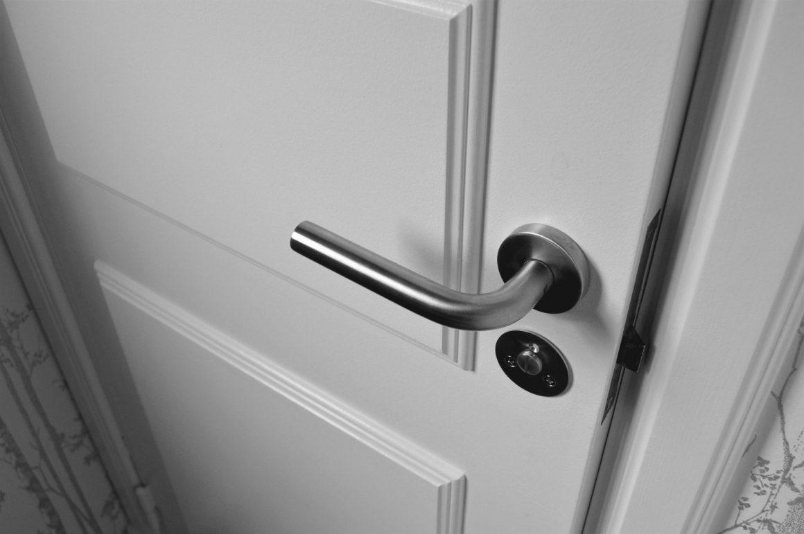 Patru modele de uși de interior ideale pentru orice locuință